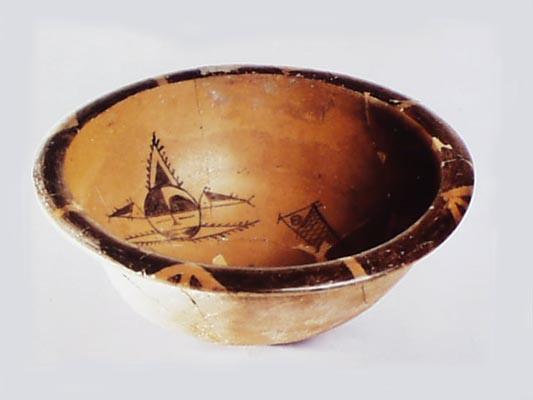 西安半坡遗址(约7000年前)出土鱼纹陶盆